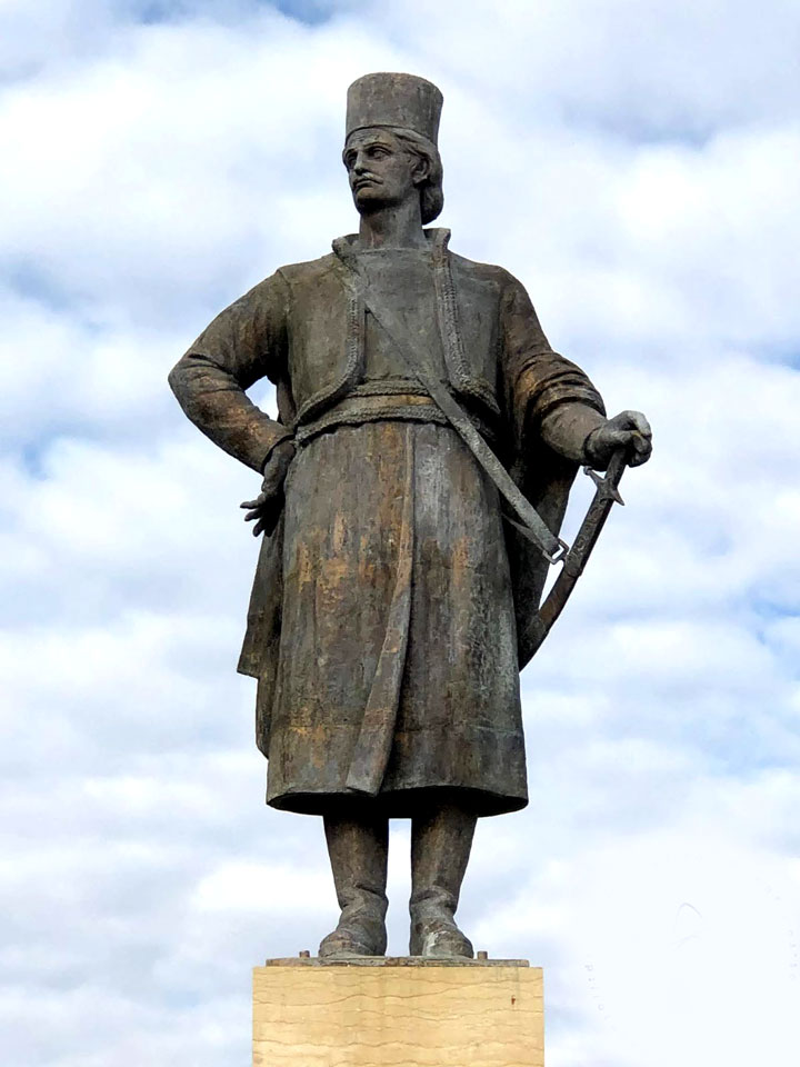 Liga Fiii Gorjului: Sa ne cunoastem celebritatile Tudor Vladimirescu